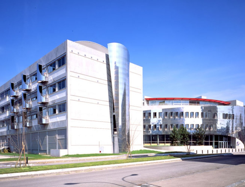 School of Chemistry Physics Electronics of Lyon